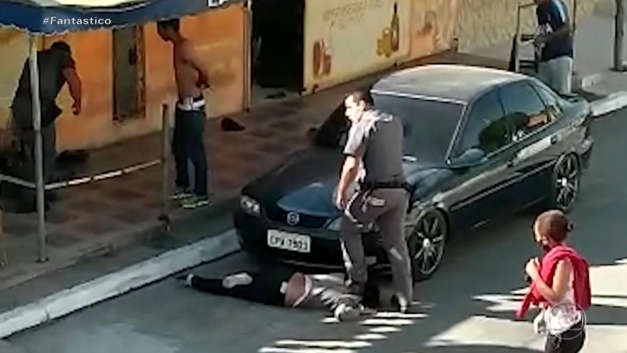 Promotora que acusou mulher negra pisada no pescoço por PM volta atrás e pede para a Justiça não receber denúncia