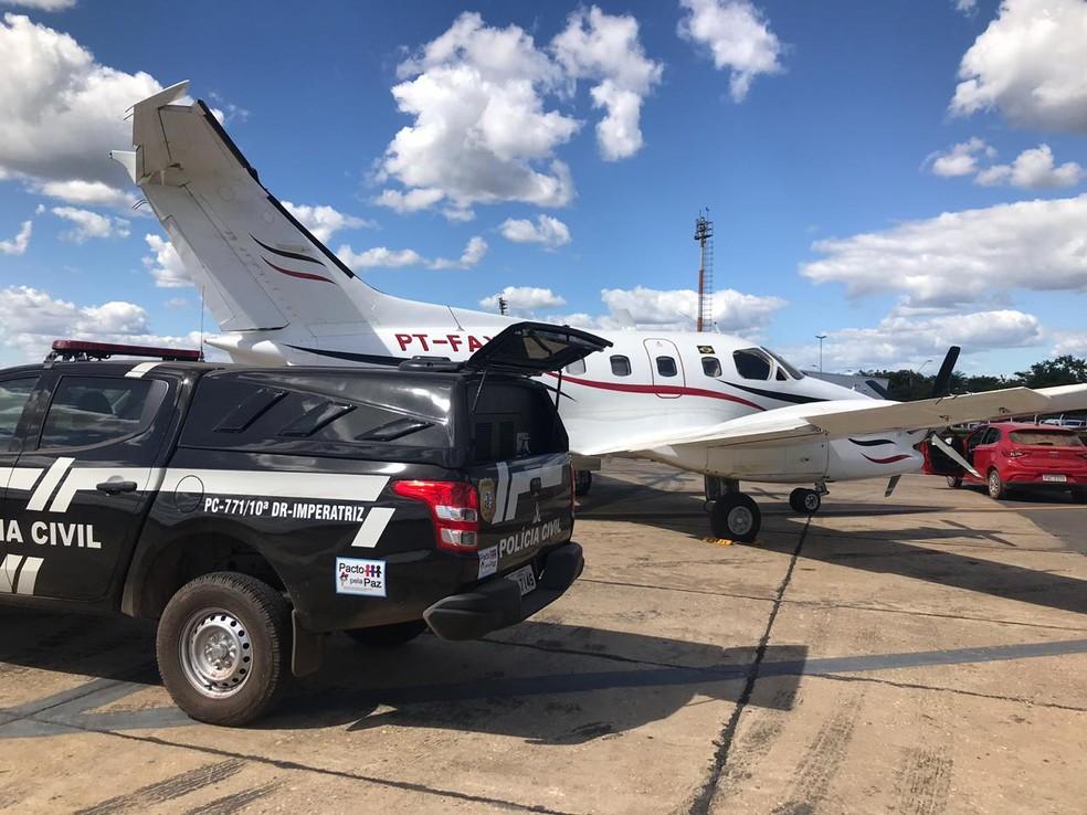 Após a prisão, suspeitos foram levados no avião da Polícia Civil do Distrito Federal de volta para Brasília — Foto: Divulgação/Polícia Civil do Maranhão