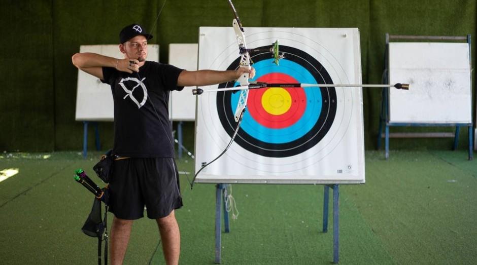 O atleta olímpico de tiro com arco, Marcus Vinicius D'Almeida, foi parabenizado pela confederação mundial pela inovação e empreendedorismo (Foto: Estadão Conteúdo)