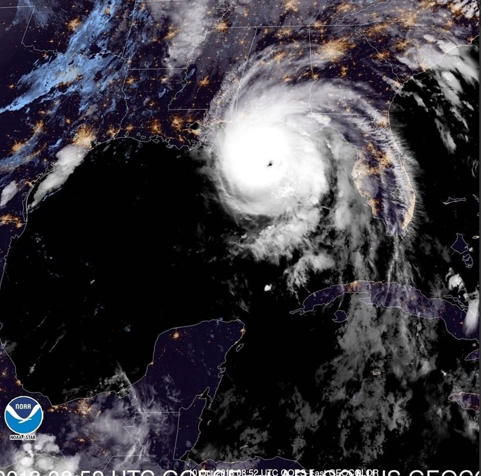 Furacão Michael atingiu a categoria 4 nesta quarta-feira (10) — Foto: Reprodução/ National Hurricane Center (NHC)