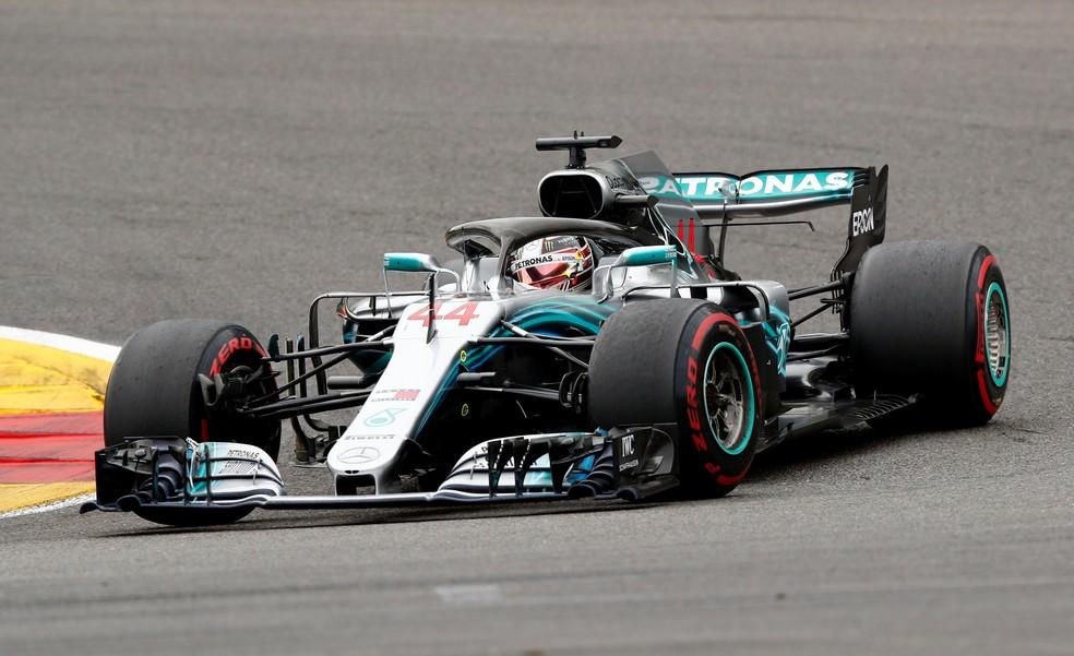 Hamilton pilota Mercedes no circuito de Spa-Francorchamps (Foto: Reuters)