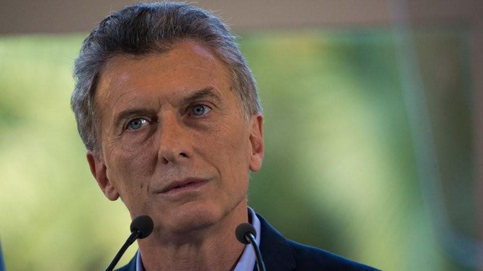 Macri tem cada vez menos opções para resolver o problema de falta de confiança na Argentina (Foto: AFP via BBC)