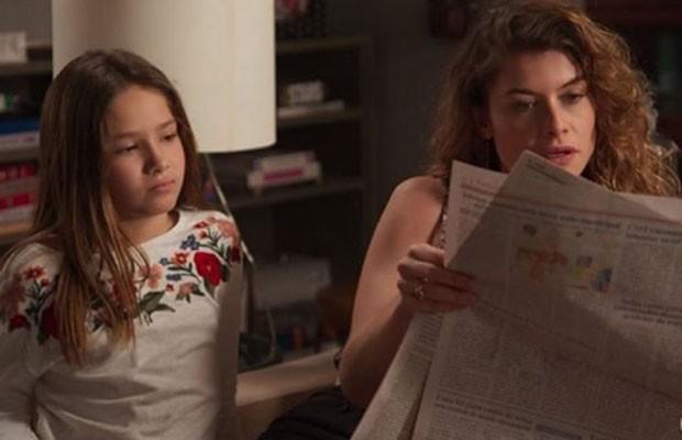 Clara Galinari contracena com Alinne Moraes em Espelho da Vida  (Foto: Reprodução/TV Globo)