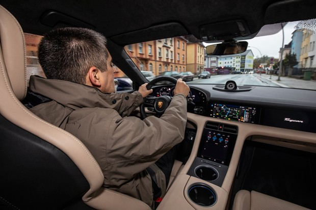 At the wheel, the Taycan is a legitimate Porsche (Photo: Press Release)