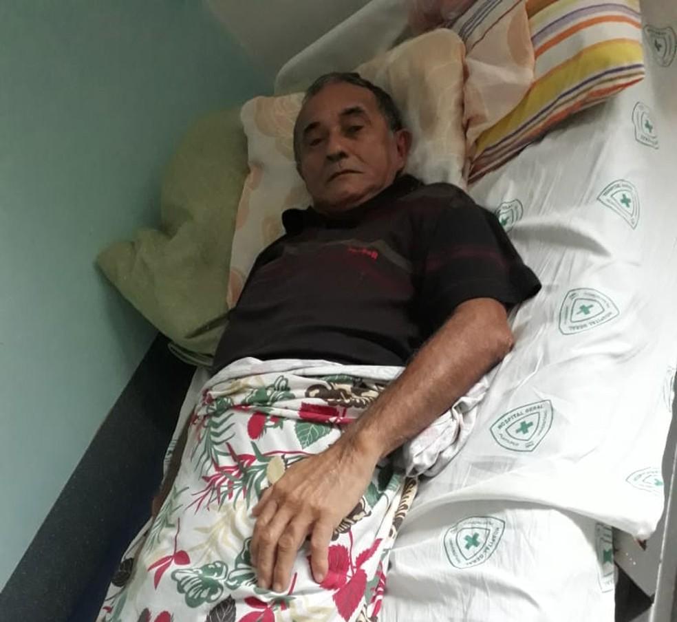 Benedito Pedroso de Amorim, de 73 anos, está há cerca de 5 meses aguardando pela cirurgia. — Foto: Arquivo Pessoal