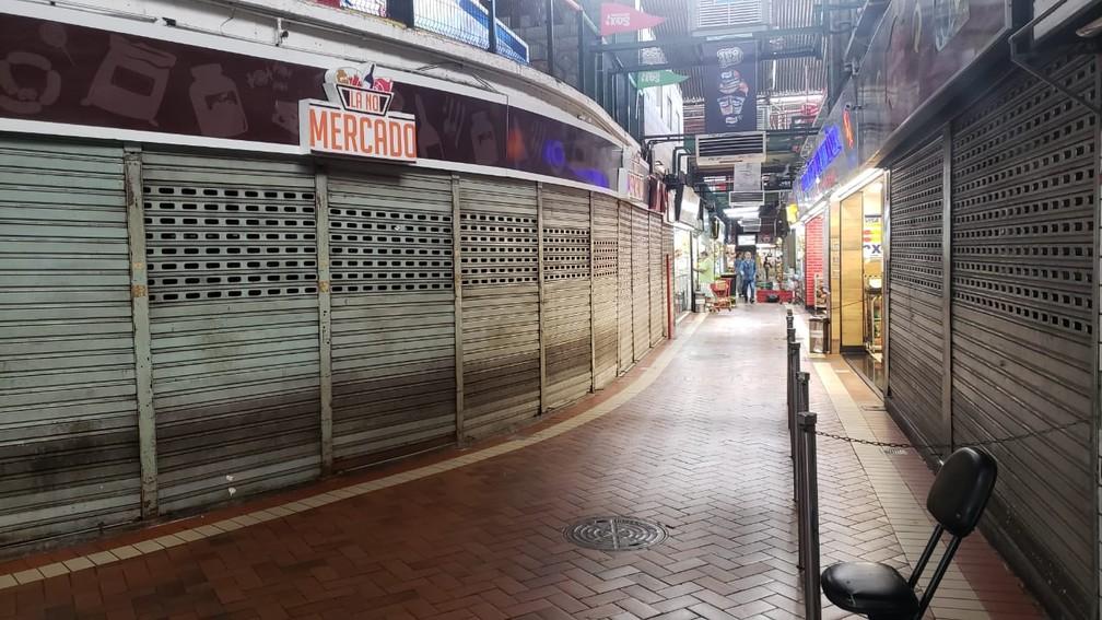 BELO HORIZONTE - Após anúncio de mudança no horário, Mercado Central amanhece vazio em BH.  — Foto: Carlos Eduardo Alvim/TV Globo