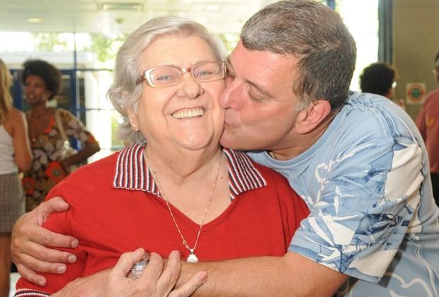 Hilda Rebello e Jorge Fernando: a afetuosa relação de mãe e filho (Foto: Frederico Rosário/TV Globo)