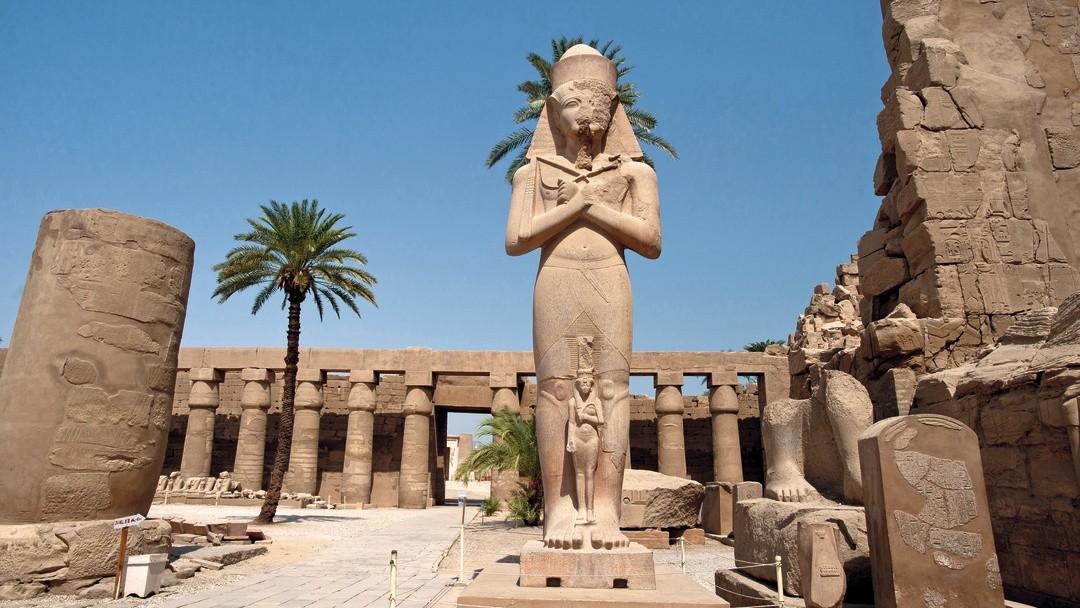 Um templo localizador em Luxor, no Egito (Foto: Wikimedia Commons)