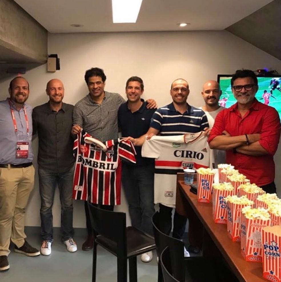 3a3699c1d74 Raí e Ricardo Rocha postam fotos de camisas do São Paulo da nova ...