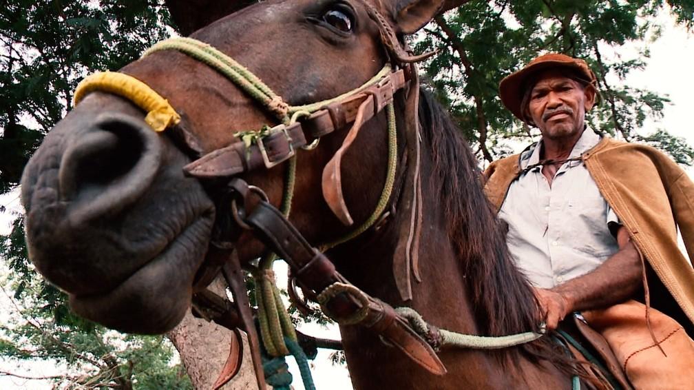 Vaqueiros enfrentam desafios e encontram na profissão inspiração para o aboio e para o repente — Foto: Reprodução/TV Clube