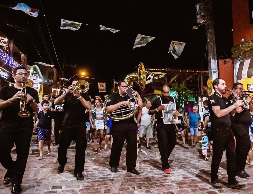 Fest Bossa & Jazz acontece pelas ruas de Pipa — Foto: Divugalção
