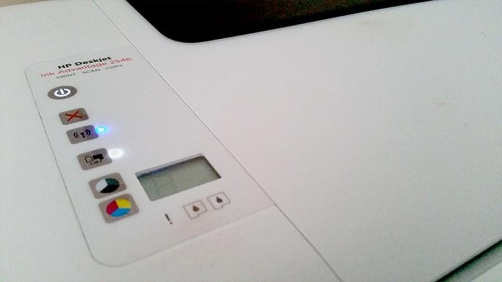 Restaurar impressora para os padrões de fábrica pode resolver erro de não imprimir página inteira (Foto: Barbara Mannara/TechTudo)
