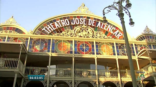 Teatro José de Alencar completa 106 anos com programação cultural especial