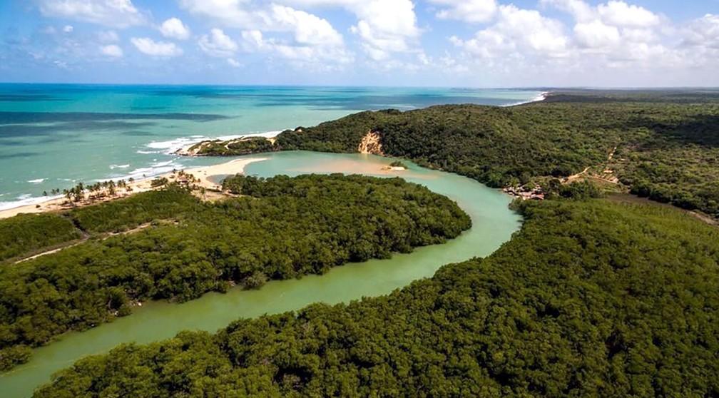 Encontro do rio com o mar em Barra de Camaratuba, em Mataraca, na PB — Foto: Felipe Lima/Trilhas Potiguaras