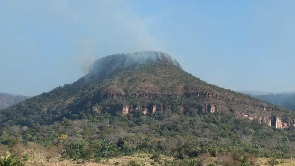 Fogo no Parque Serra de Ricardo Franco já destruiu 5 mil hectares de floresta Amazônica, do total de 158 mil hectares (Foto: Corpo de Bombeiros de Mato Grosso)