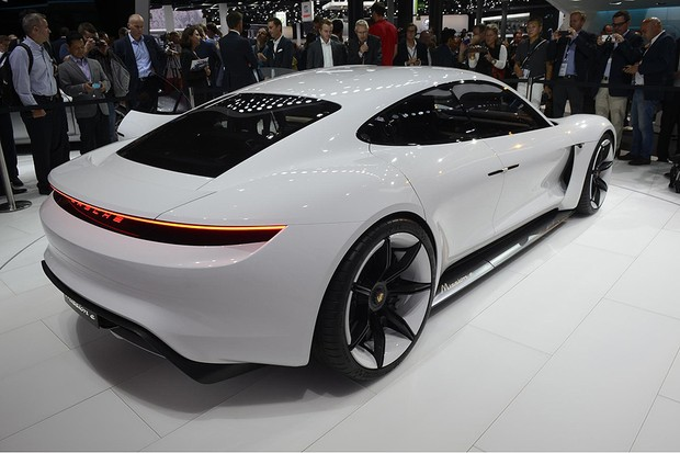 Conceito Porsche Mission E no Salão de Frankfurt 2015 (Foto: Newspress)