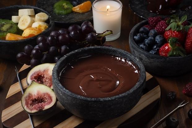 Como fazer fondue: aprenda 5 receitas e dicas para montar a mesa
