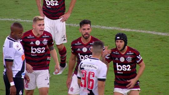 """Flamengo x Vasco termina em confusão; Bruno Henrique provoca: """"Estamos em outro patamar"""""""