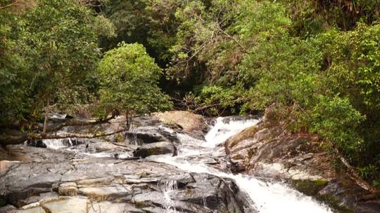 Fernando Gabeira revela a história e as belezas de Cananéia, no Vale do Ribeira