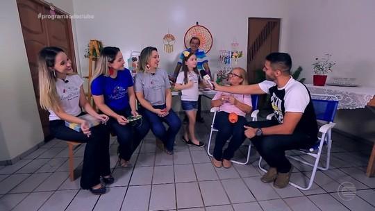 Crochê vira negócio de família, unindo talentos de duas gerações