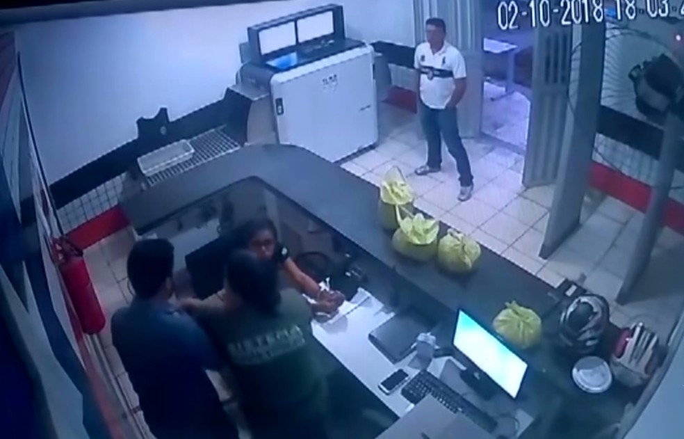 Delegado usou de abuso de poder para retirar agente penitenciária do local de trabalho — Foto: Reprodução/TV Mirante