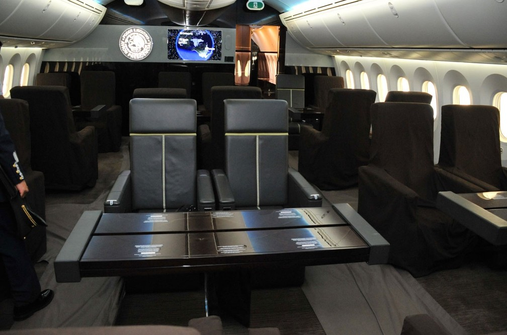 Avião presidencial tem 57 metros de comprimento e capacidade máxima para 80 passageiros  (Crédito: Reprodução/ Twitter/ SHCP México)