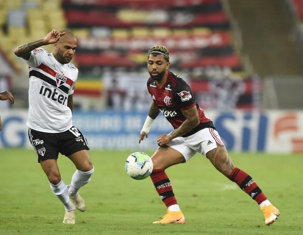 Daniel Alves retomou protagonismo nos últimos jogos do São Paulo — Foto: André Durão