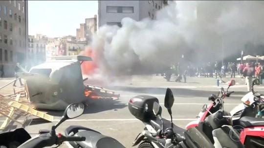 Polícia de Barcelona prende 7 em confronto entre manifestantes