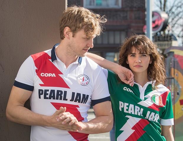 Camisas oficiais do Pearl Jam para a Copa do Mundo (Foto: reprodução)