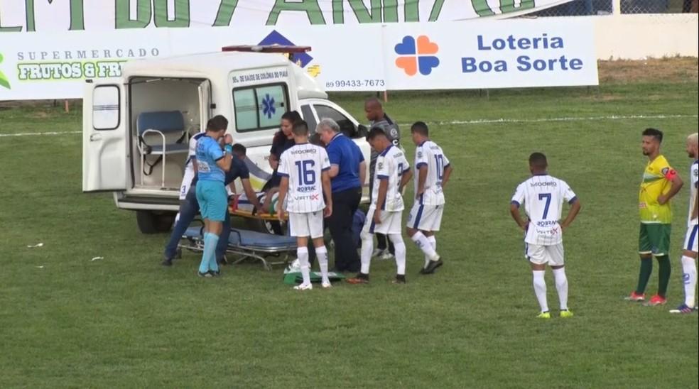 Ambulância Oeirense Caio Cezar — Foto: Reprodução/TV Clube