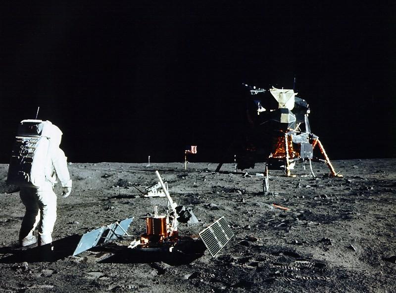 Experimentos conduzidos na lua (Foto: NASA)
