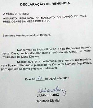 Carta de renúncia da deputada Liliane Roriz (PTB) do cargo de vice-presidente da Câmara Legislativa, apresentada nesta quarta-feira (17) à Mesa Diretora (Foto: Reprodução)