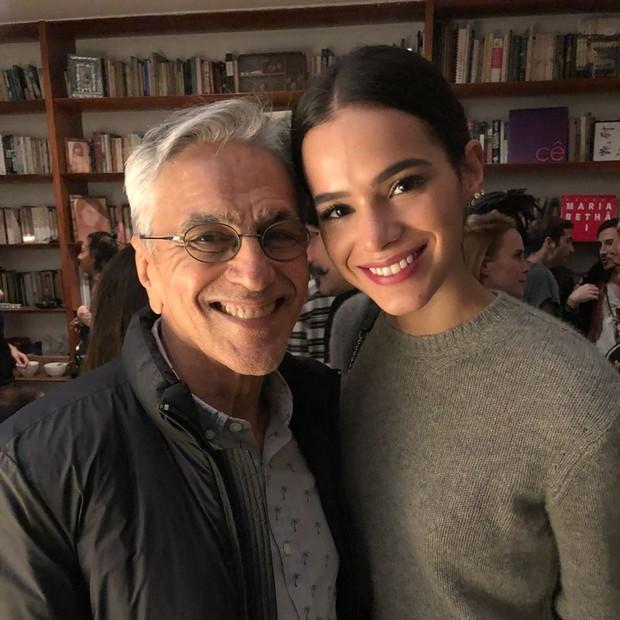 Bruna Marquezine e Caetano Veloso em reunião do 342 (Foto: Arquivo pessoal)