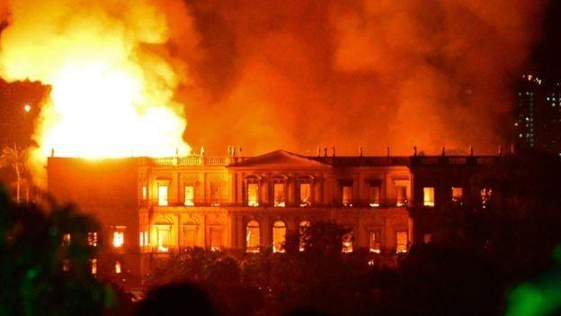 Museu Nacional, que pegou fogo, foi fundado por Dom João 6º em 1818 (Foto: REUTERS/Via BBC News Brasil)
