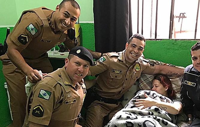 PM ajuda em trabalho de parto (Foto: Divulgação PM)