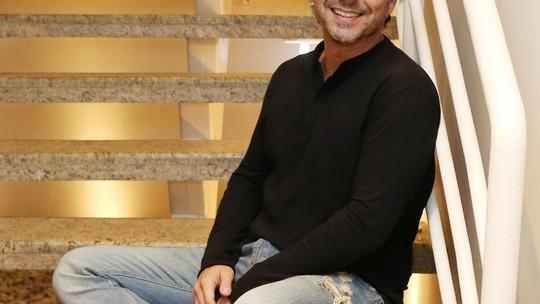 Alexandre Nero fala sobre experiência de concorrer nas categorias Melhor Ator e Melhor Novela no Emmy
