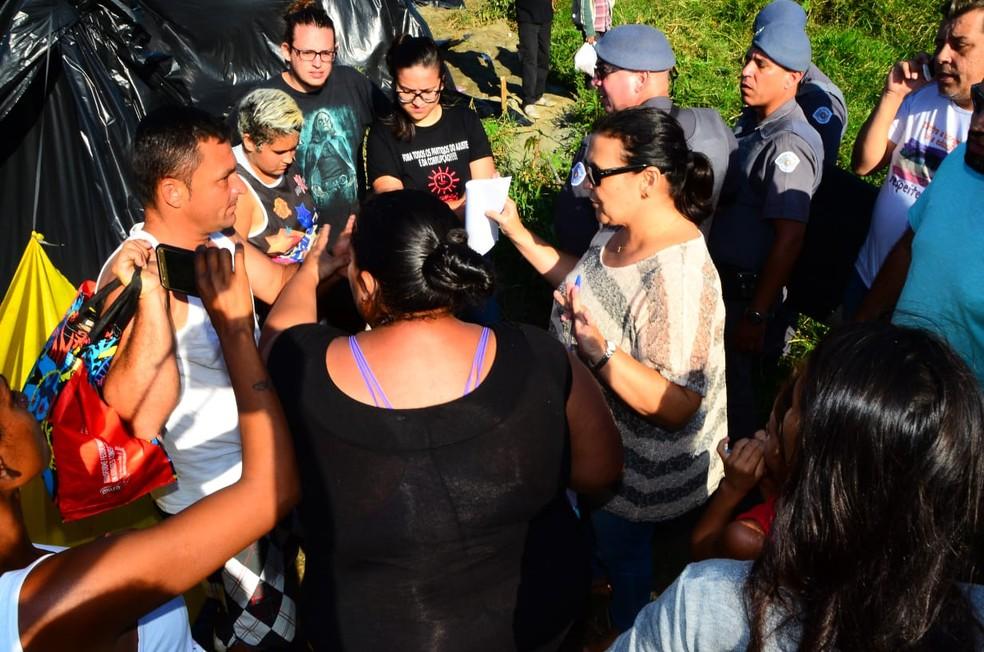 Reintegração de posse foi realizada no início da tarde desta quinta (31) (Foto: Claudio Gomes/ PMC)