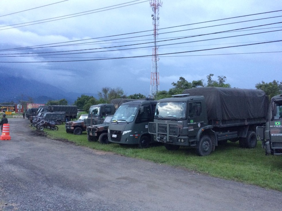 Ao todo, 150 militares participam da operação em Itatiaia (Foto: TV Rio Sul/ Anderson Sobrinho)