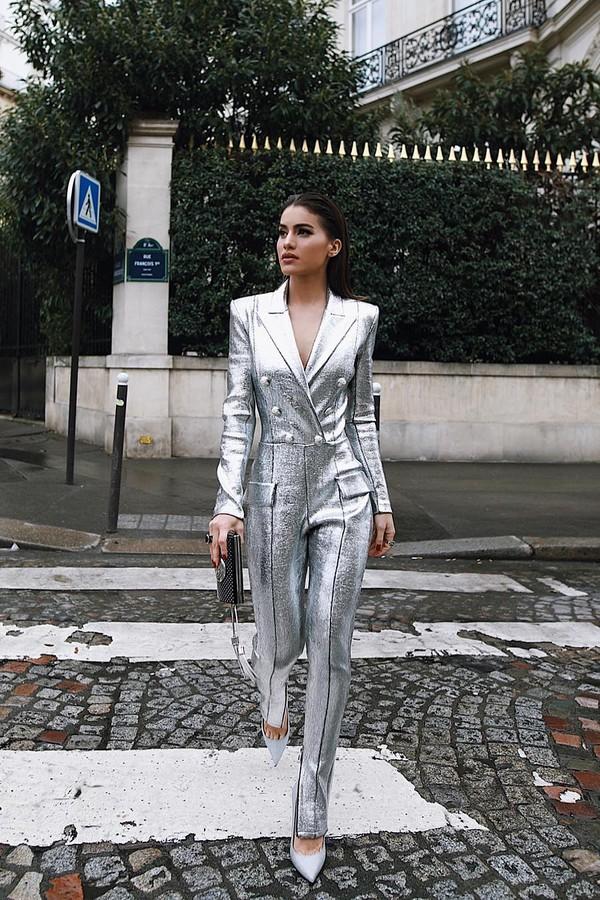 Camila Coelho veste macacão da Balmain (Foto: Instagram/Reprodução)