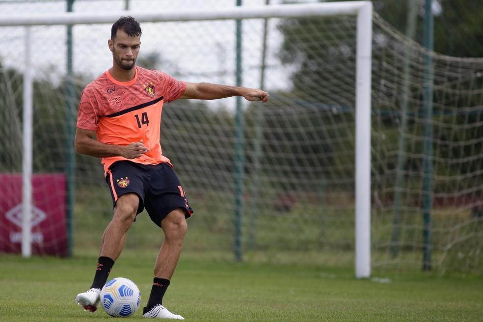 Thyere em treino pelo Sport — Foto: Anderson Stevens / Sport Club do Recife