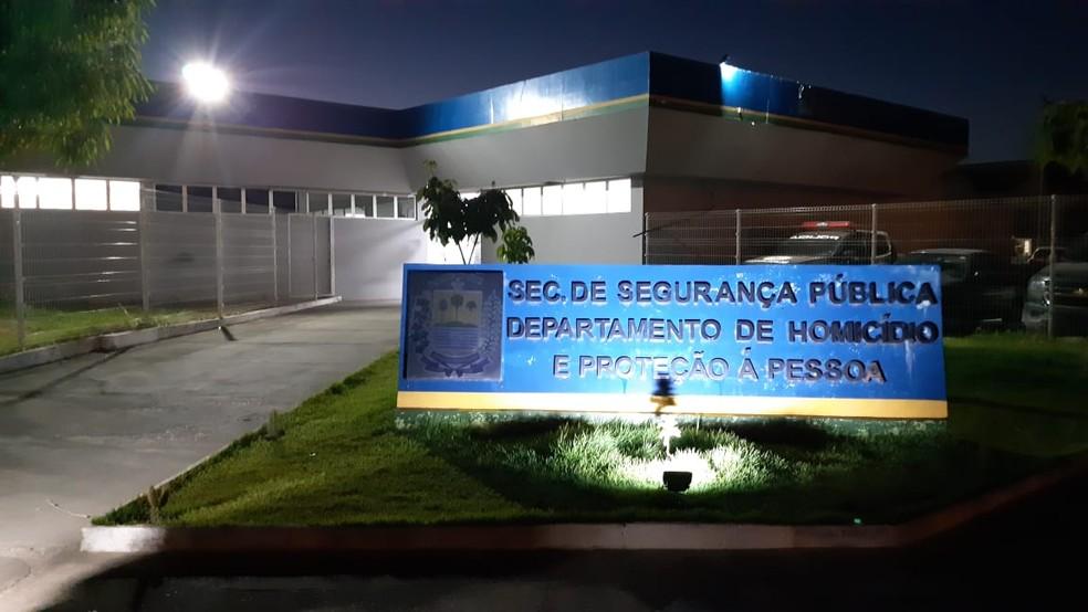 Suspeito foi ouvido na DHPP — Foto: Lucas Marreiros/G1 PI