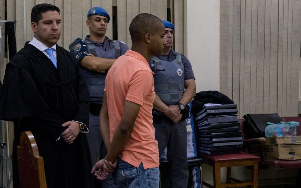 PM Victor Cristilder Silva dos Santos no Fórum de Osasco, durante julgamento que o condenou a 119 anos de prisão por envolvimento na chacina de Osasco (Foto: Amanda Perobelli/Estadão Conteúdo)