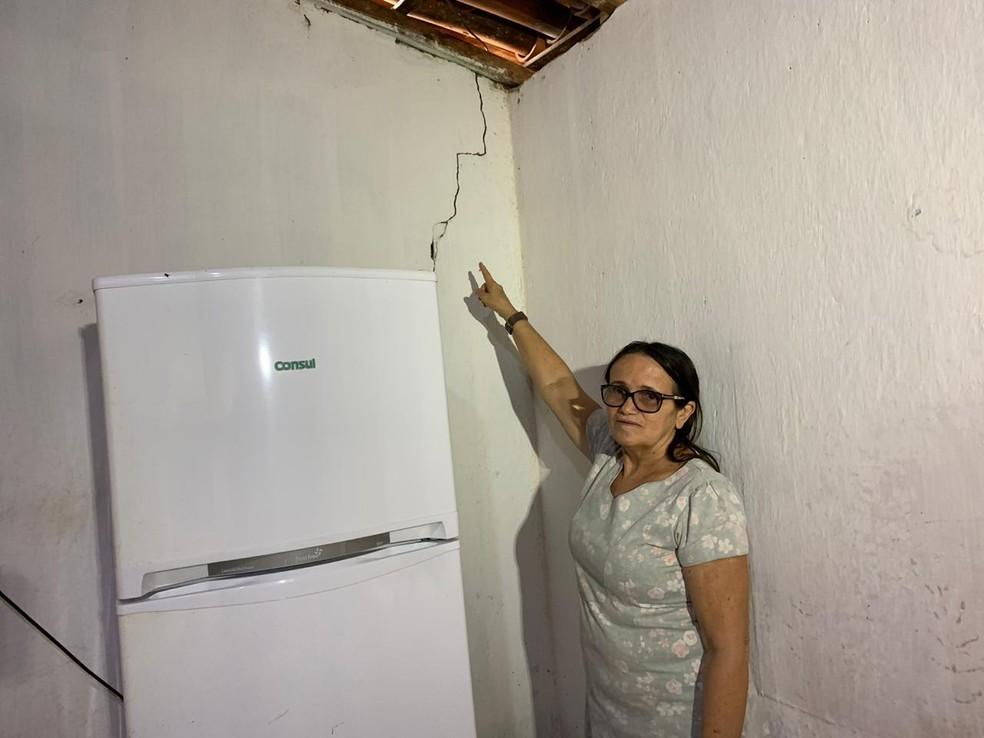 Tremor de terra ocorrido na quarta-feira (24) deixou algumas casas com rachaduras no interior do Ceará — Foto: Almir Gadelha/Sistema Verdes Mares