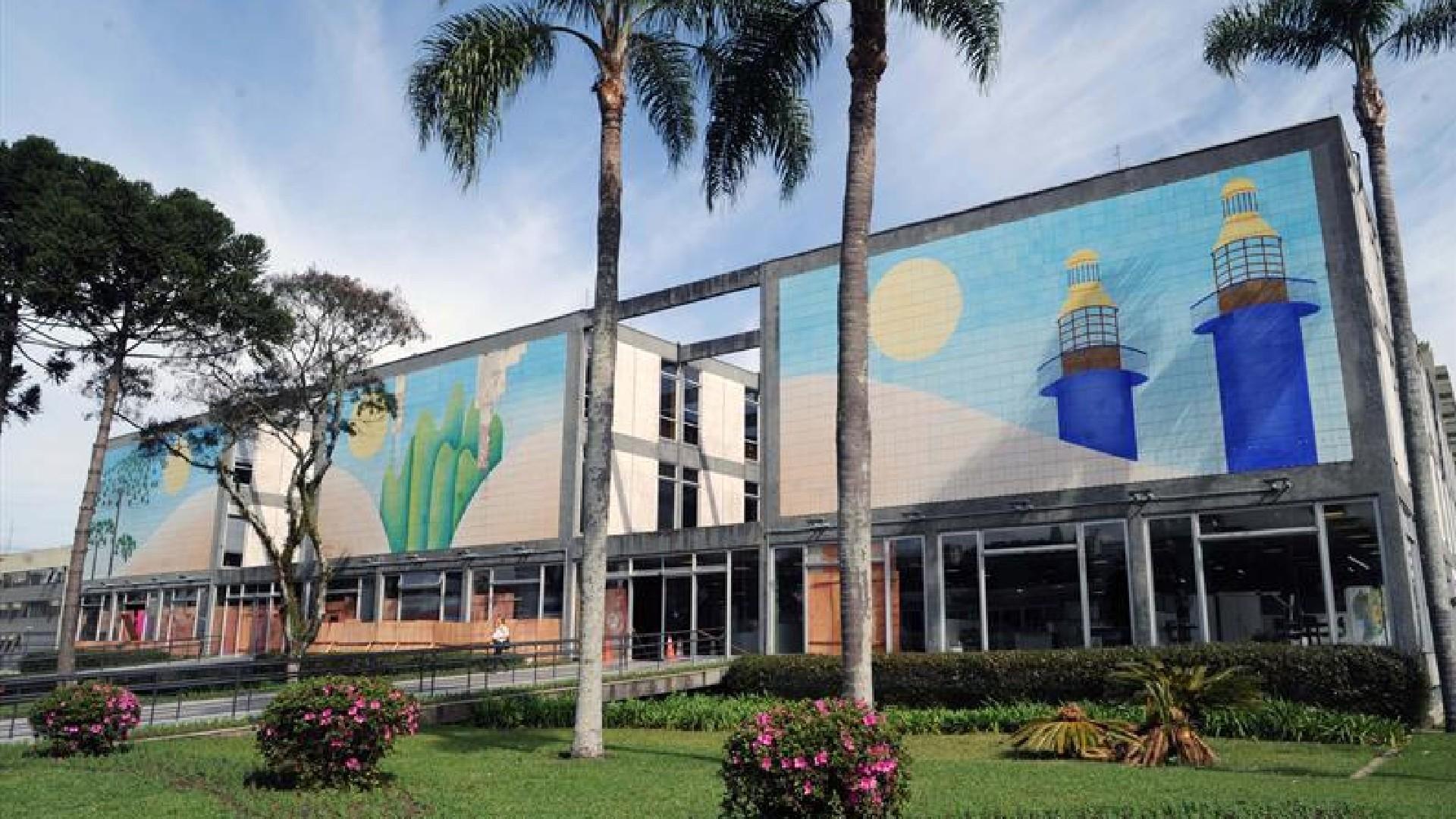 Covid-19: Prefeitura de Curitiba antecipa primeira parcela do 13º salário a servidores, aposentados e pensionistas