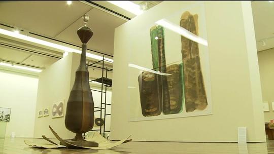 Museu de Arte do Rio reúne obras do escultor e desenhista Tunga