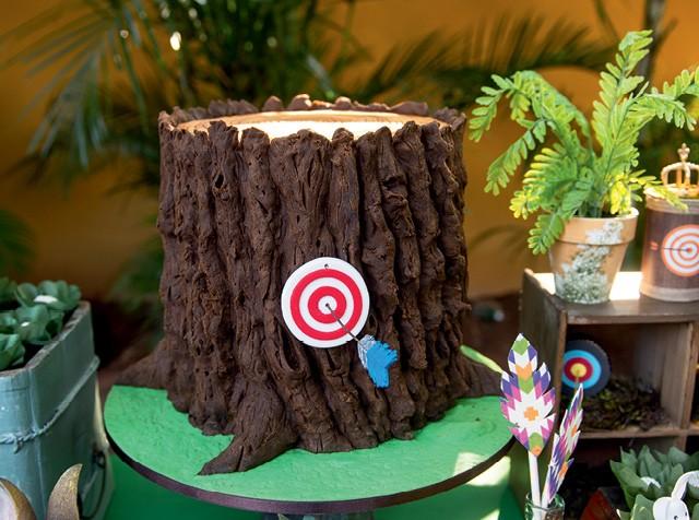Decoração de festa infantil com tema Robin Wood (Foto: Aline Ferreira/GNT)