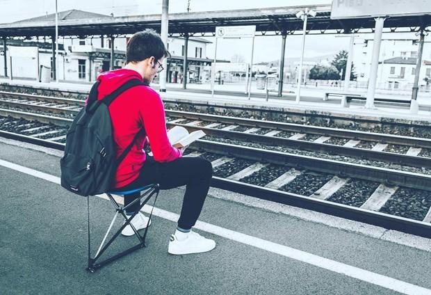 Esta cadeira dobrável promete ser a mais leve do mundo (Foto: Reprodução)