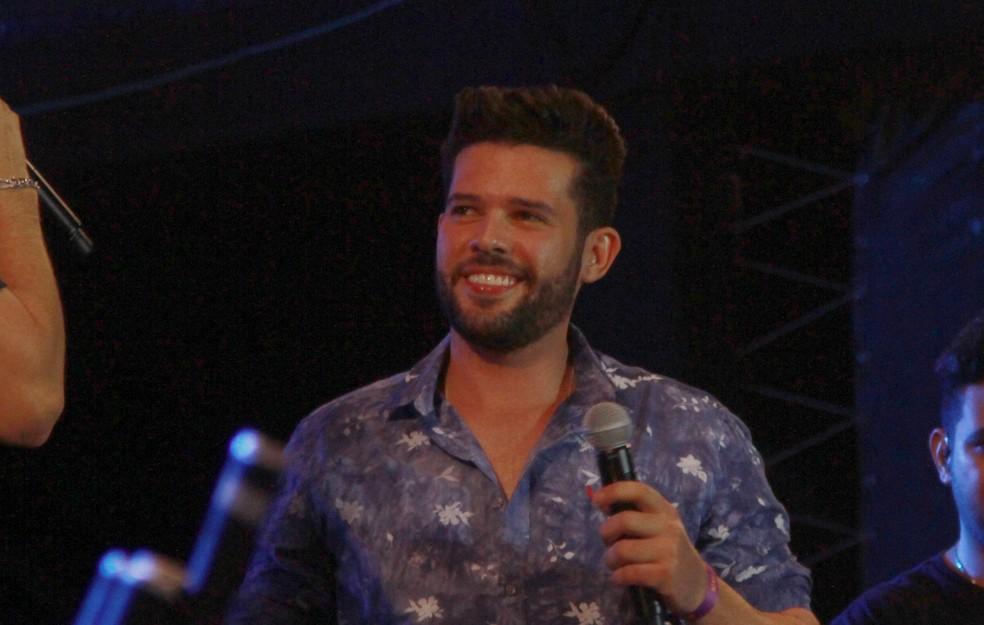 Cantor Ranniery Gomes, em apresentação no Fest Verão Paraíba 2018, em janeiro (Foto: Dani Fechine/G1/Arquivo)