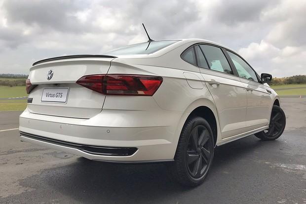 Volkswagen Virtus GTS será lançado no início de 2020 (Foto: Diogo de Oliveira/Autoesporte)