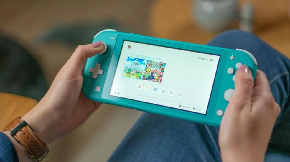 Após Nintendo Switch Lite console da Nintendo pode ganhar mais uma nova versão no início de 2021 — Foto: Reprodução/CNET